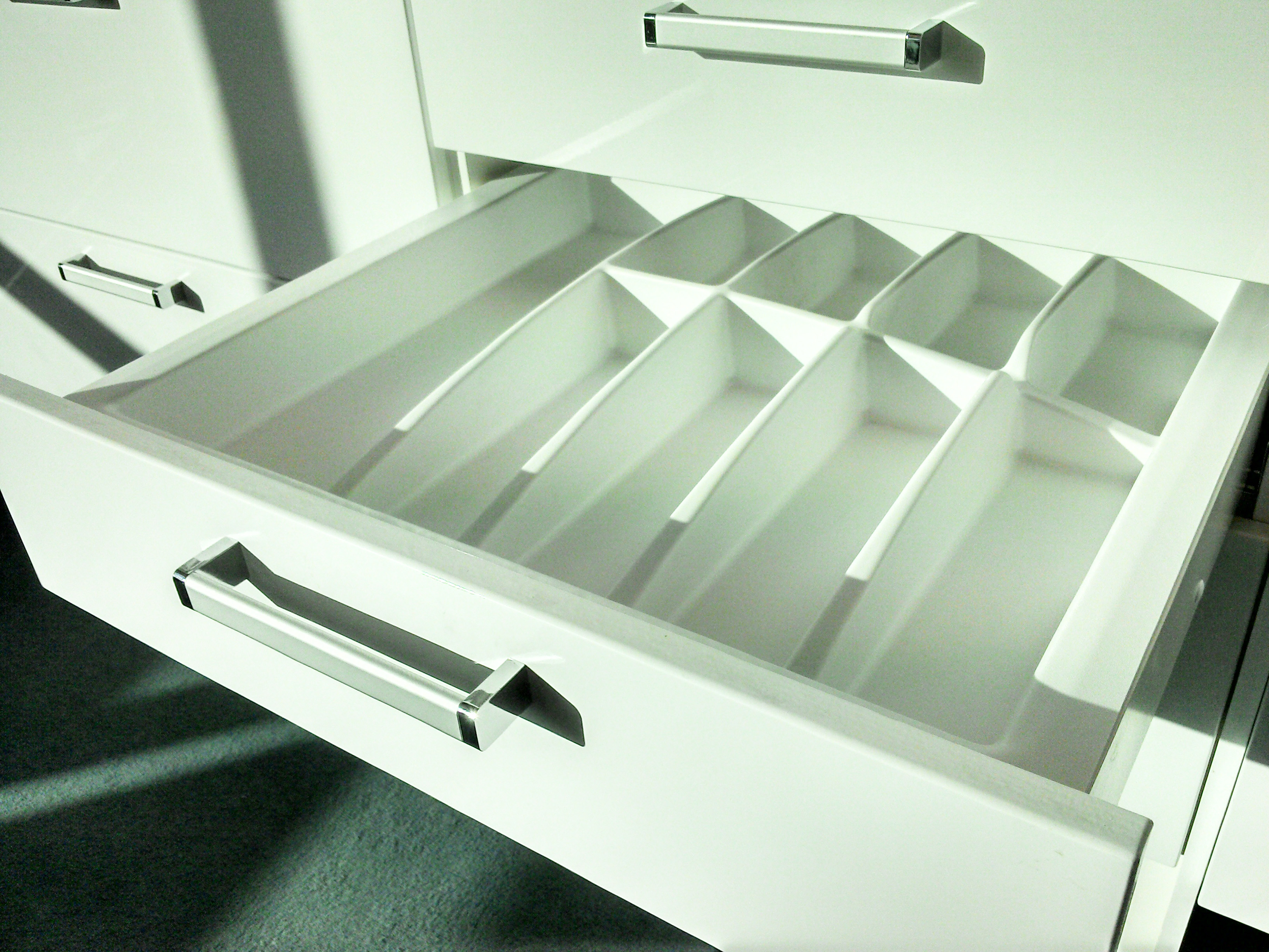 600mm wide Plastic Cutlery Insert fro Kitchen Drawers