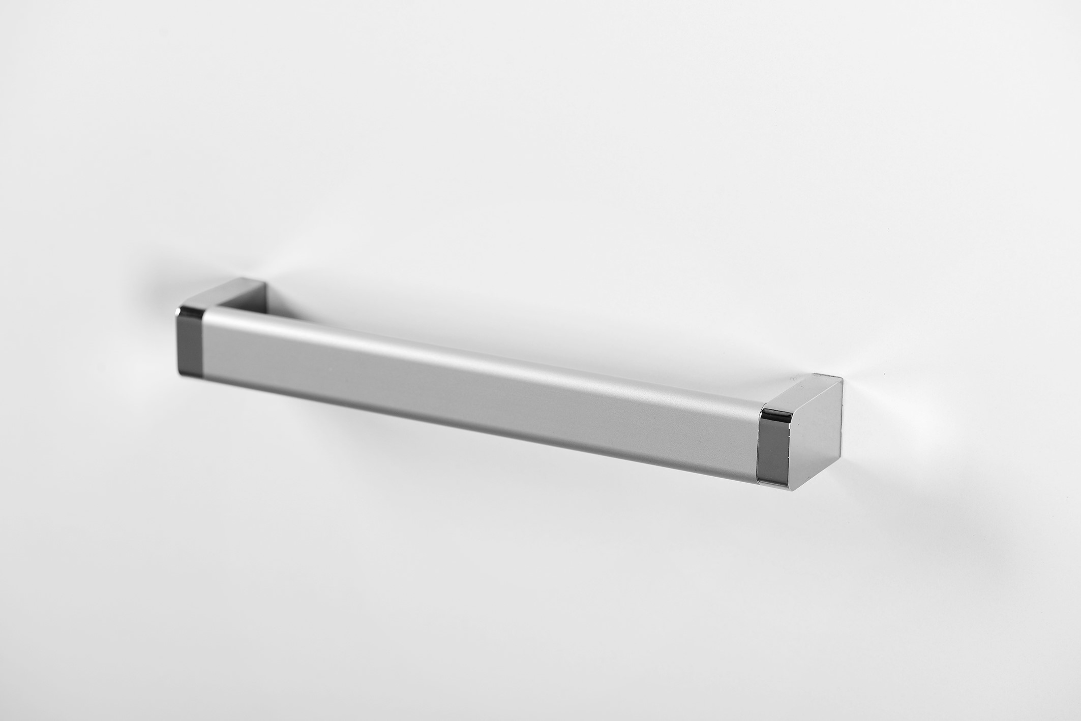 Julia Handle for Kitchen Cabinets